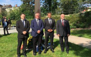 Foto: Letztes Jahr hielt Vincent Kokert (2.v.r.), Vorsitzender der CDU M-V und Vorsitzender der CDU-Fraktion im Landtag M-V, die Gedenkrede.